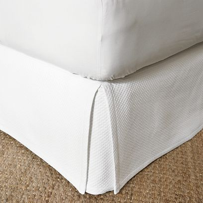 Matte Diamond Matelassé Bed Skirt
