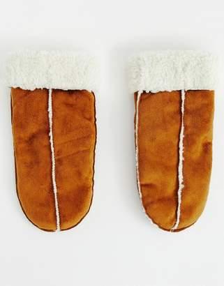 B.young mitten gloves