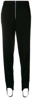 Closed stirrup tapered trousers