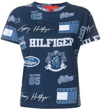 Tommy Hilfiger (トミー ヒルフィガー) - Hilfiger Collection ロゴプリント Tシャツ