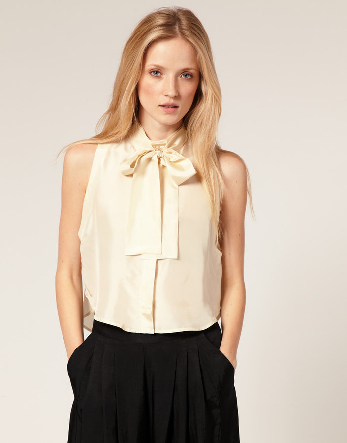 Carin Wester Sleeveless Blouse with Pussy Bow