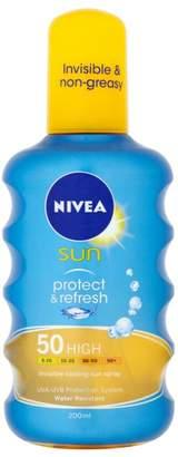 Nivea Sun Protect & Refresh Sun Spray SPF50 200ml