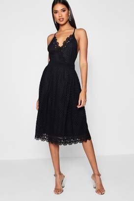 boohoo Boutique Daisy Scallop Trim Midi Skater Dress