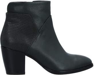 Janet & Janet Ankle boots - Item 11518416ET