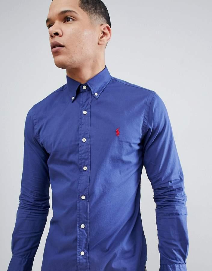 – Polo Player – Schmal geschnittenes Hemd in marineblauer Stückfärbung