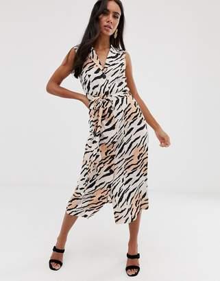 0fd0466ff042 Asos Design DESIGN sleeveless button through midi shirt dress in animal  print