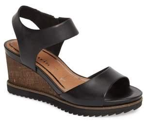 Tamaris 'Alis' Lug Sole Wedge Sandal