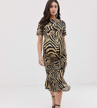 Queen Bee short sleeve dress in zebra print