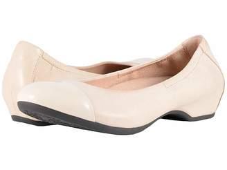 Dansko Lisanne Women's Flat Shoes