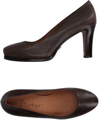 Eva Turner Pumps