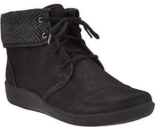 Clarks CLOUDSTEPPERS by Lace-up Ankle Boots -Sillian Frey
