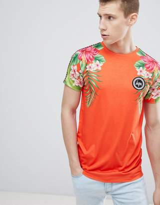 Hype t-shirt with tropical print in red