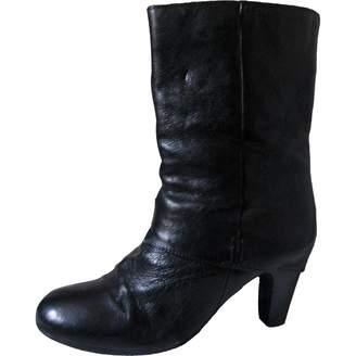 66e737f3cc708 Clarks Black Leather Ankle Boots - ShopStyle UK
