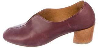 Coclico Leather Round-Toe Pumps