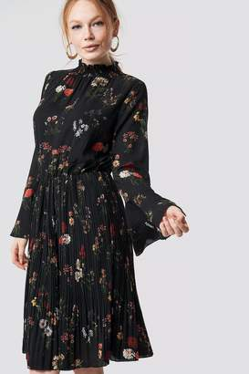 Rut & Circle Rut&Circle Flower Smock Neck Dress Black Combo