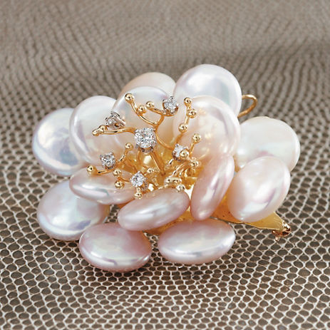 Gump's Russell Trusso Pink Coin Pearl Zinnia Brooch