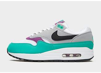 new style 82a6f 836b4 Nike 1 Essential Women s