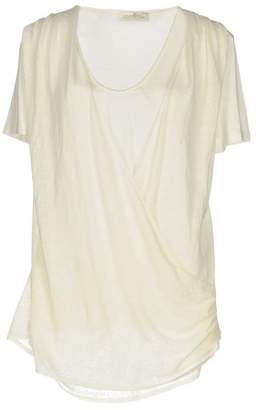 Della Ciana T-shirt