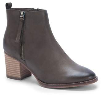 Blondo Nova Waterproof Leather Zipper Bootie