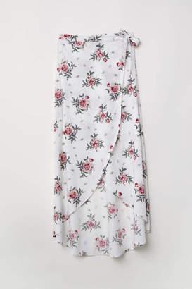 H&M Long Wrap-front Skirt - Black/floral - Women
