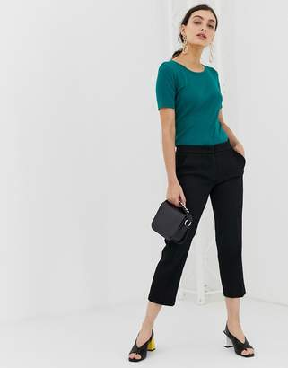 Benetton cropped chino in a casual fit
