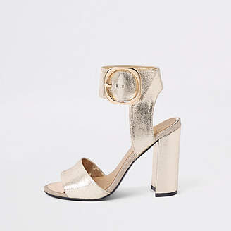 River Island Womens Gold metallic wide fit block heel sandals
