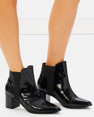 Atmos & Here ICONIC EXCLUSIVE - Belle Leather Ankle Boots
