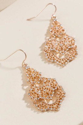 francesca's Shyla Filigree Chandelier Earrings - Rose/Gold