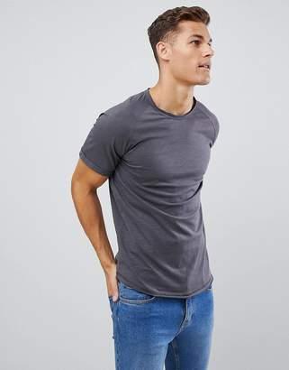 Jack and Jones Originals Longline T-Shirt With Raw Hem Details And Raglan Sleeve