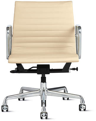 Design Within Reach Eames Aluminum Group Management Chair with Pneumatic Lift