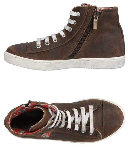 LE CROWNINE High-tops & sneakers