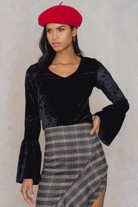 Na Kd Party Velvet Flounce Sleeve Sweater