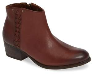 Clarks R) Maypearl Fawn Bootie