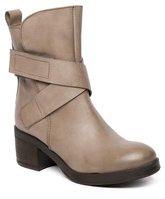 Manas Design Pull-On Front Strap Leather Boot