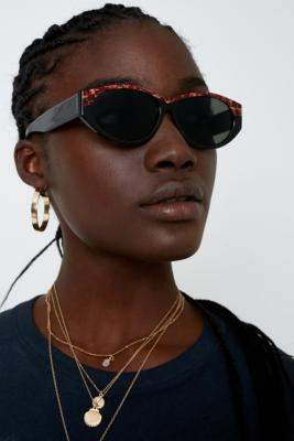 c3499296a82 at Urban Outfitters · Hindsight Vintage Tortoise Brow Bar Sunglasses