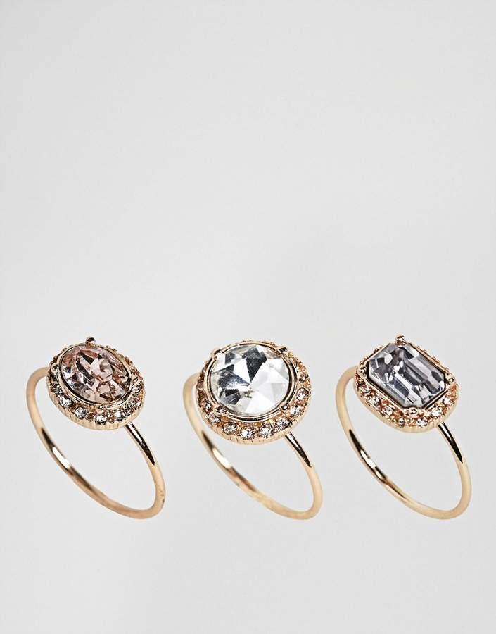 – Set mit filigranen Ringen mit Schmucksteinen
