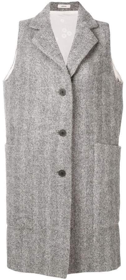 sleeveless single-breasted coat