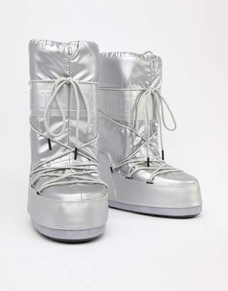 Moon Boot classic premuim snow boots in silver