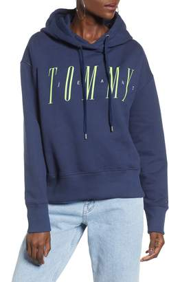 Tommy Jeans Essential Logo Hoodie