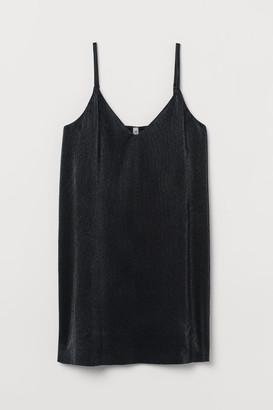 H&M Pleated Dress - Black