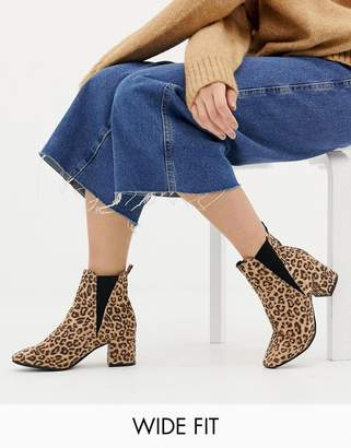 New Look Wide Fit wide fit chelsea block heel boot in leopard