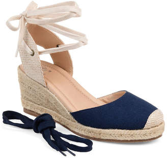 Journee Collection Womens Monte Lace-up Round Toe Wedge Heel Pumps