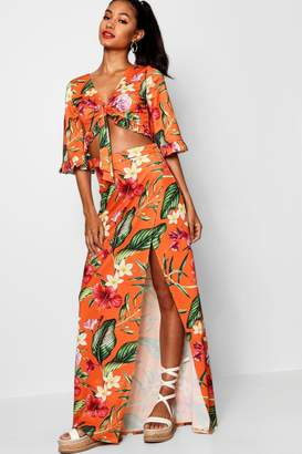 boohoo Natasha Tie Front Flare Sleeve Maxi Skirt Co-ord