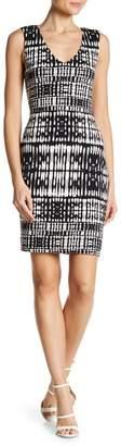 Tart Akita V-Neck Print Knit Dress