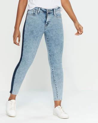 Levi's Short Circuit 721 High-Rise Skinny Jeans