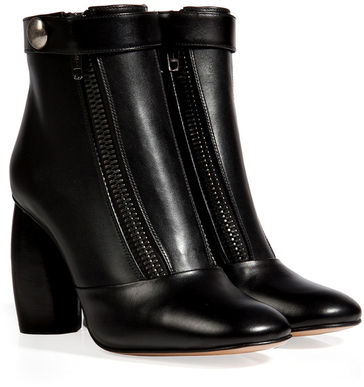 Marc Jacobs Leather Boots in Black