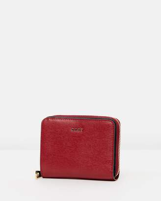 DKNY Bryant SM Carryall Wallet