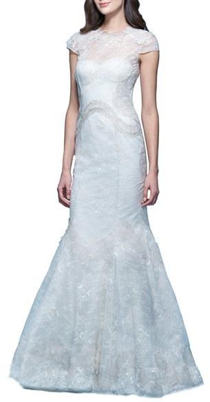 Carolina HerreraWomen's Carolina Herrera 'Jessica' Illusion Cap Sleeve Chantilly Lace Mermaid Gown