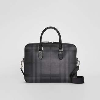 Burberry The Slim Barrow in London Check, Grey