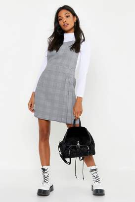 boohoo Pleat Front Dogtooth Check Pinafore Dress